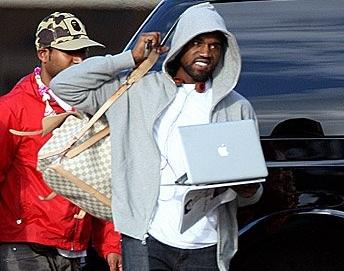 Kanye Arrives in Hawaii