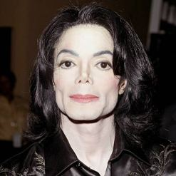 Michael Jackson Settles Lawsuit
